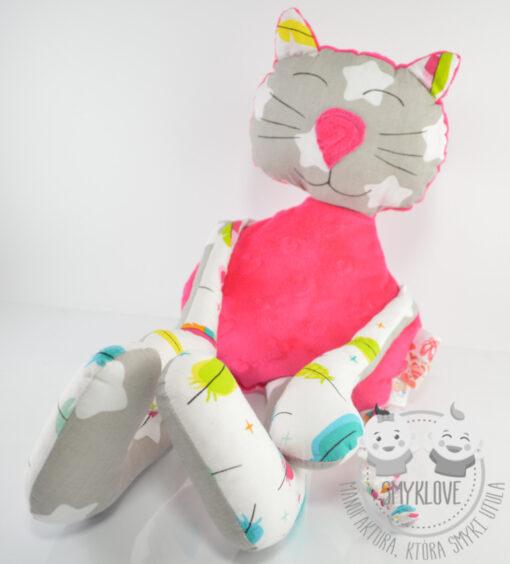 Maskotka kot ręcznie robiona