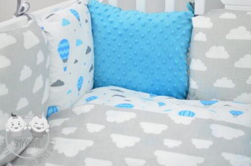 komplet pościeli do łóżeczka z ochraniaczem - zbliżenie na ochraniacz