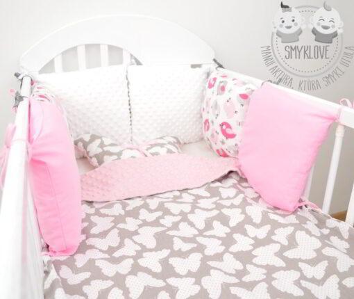 Ochraniacz do łóżeczka dla dziewczynki od Smyklove