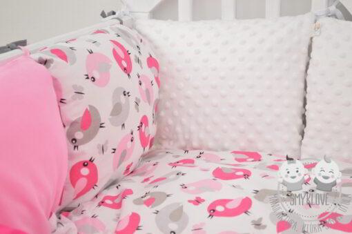 Ochraniacz do łóżeczka dla dziewczynki
