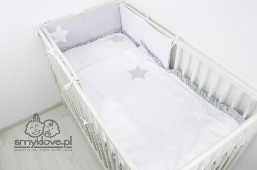 Pościel do łóżeczka z falbanką i ochraniaczem panelowym od Smyklove