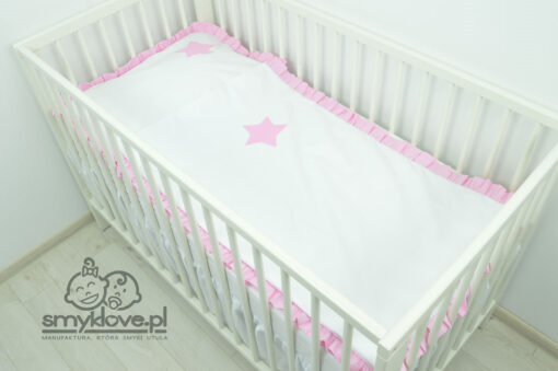 Pościel do łóżeczka z różową falbanką i gwiazdką od Smyklove