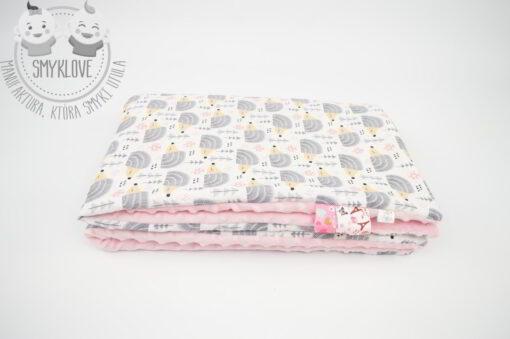 Kocyk minky różowy widok z boku