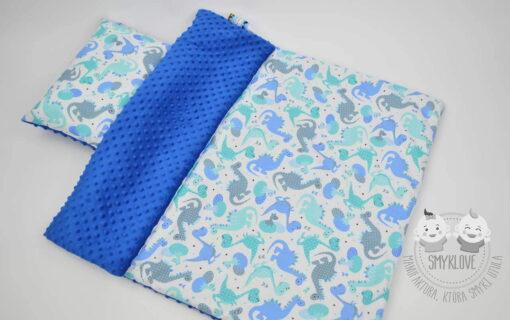 Kocyk minky szafirowy w dinusie - wersja z wypełnieniem oraz poduszką z wypełnieniem