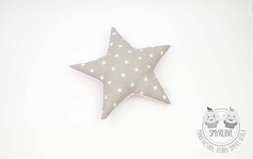 Poduszka gwiazdka z różowego minky i z tkaniny szarej w białe gwiazdki