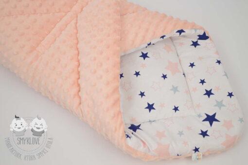 Rożek niemowlęcy w gwiazdki - zbliżenie na materiały