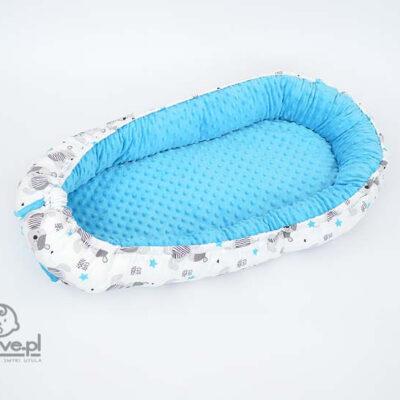 Kokon dla niemowlaka z miśki i z niebieskiego minky - druga strona
