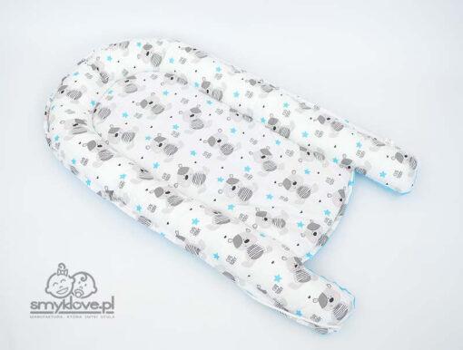 Rozłożony kokon dla niemowlaka - strona bawełniana