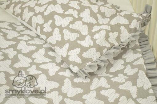 Pościel do łóżeczka z falbanką w motylki