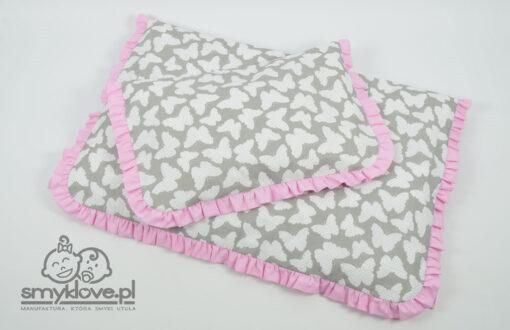Pościel w motyle z falbanką do łóżeczka niemowlęcego