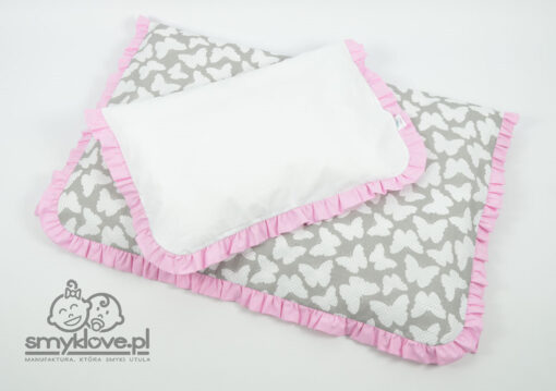 Rewers poszewki na poduszkę w pościeli w motyle z falbanką do łóżeczka niemowlęcego