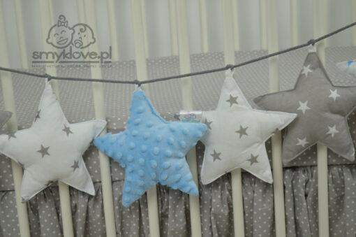Niebieska gwiazdka minky w girlandzie od Smyklove