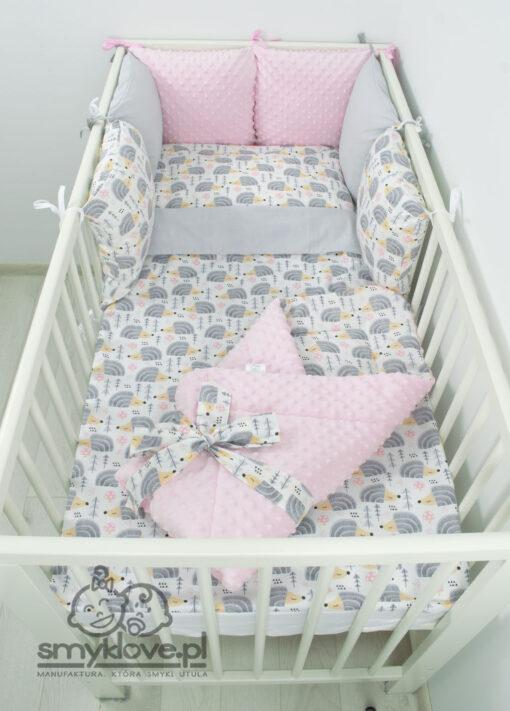 Pościel dla niemowlaka z rożkiem od Smyklove - jeżyki z różowymi akcentami