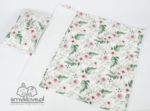 Kocyk minky oraz poduszka w kwiaty i białego MINKY od Smyklove