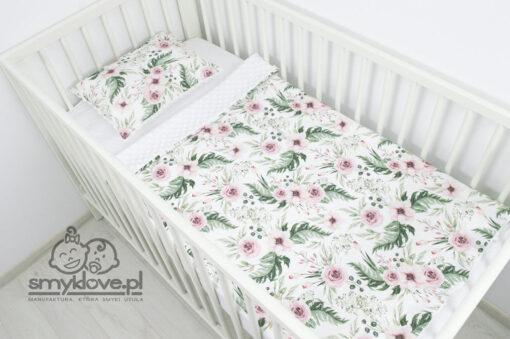 Biały kocyk minky wraz z poduszką jako komplet do łóżeczka od Smyklove