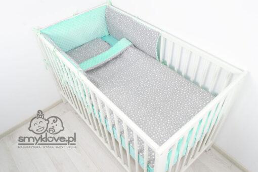 Ochraniacz panelowy miętowy z kocykiem i poduszeczką w łóżeczku