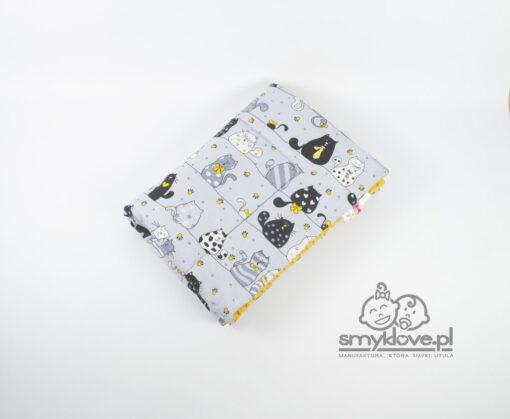 Zdjęcie tkaniny bawełnianej w koty w kocyku minky od Smyklove