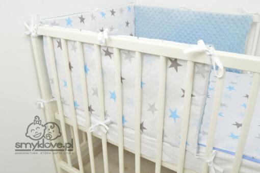 Łóżeczko niemowlęce z pościelą od Smyklove w gwiazdki z trzech elementów