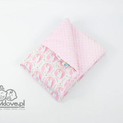 Różowy kocyk jednorożce od Smyklove
