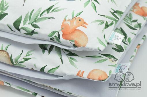 Zbliżenie na tkaninę premium w pościeli do łóżeczka w zwierzątka z lasu - SMYKLOVE