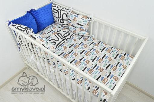 SMYKLPVE: łóżeczko z pościelą auta z chabrowym ochraniaczem