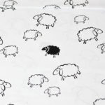 Bawełna czarne owce na białym