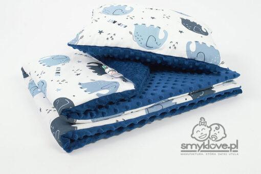 Kocyk minky słonie z poduszką z wypełnieniem dla przedszkolaków z manufaktury Smyklove