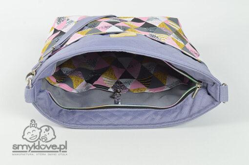 Modna torba do wózka w różowe trójkąty z manufaktury Smyklove