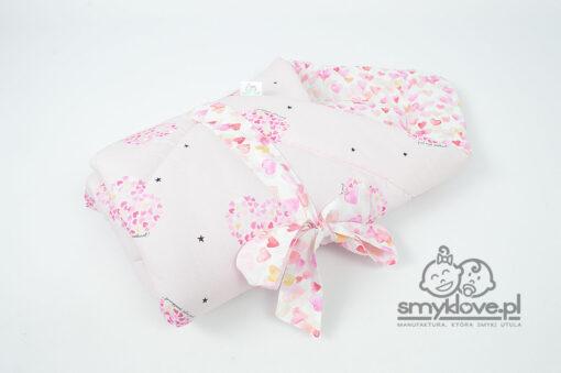 Rożek niemowlęcy w serduszka bawełniany z manufaktury Smyklove