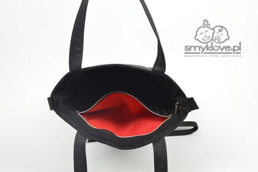 Środek czarnej torby panelowej od Smyklove