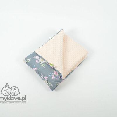 Kocyk minky w kwiaty jabłoni z brzoskwiniowym minky - Smyklove
