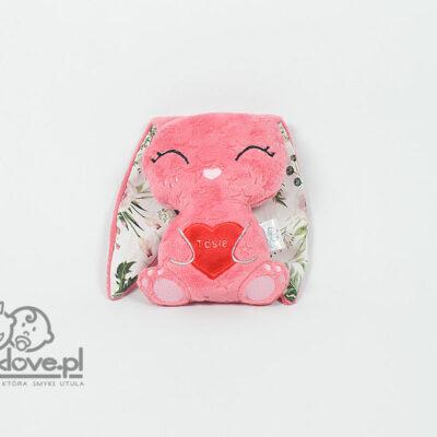 Różowa maskotka króliczek z manufaktury Smyklove