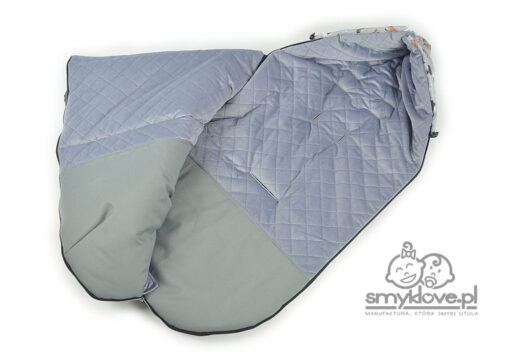Środek śpiworka do wózka Kinderkrtaft Grande - velvet szary pikowany, odporny na zabrudzenia podnóżek - Smyklove